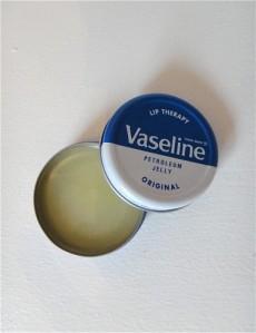 VASELINE LIP BALM